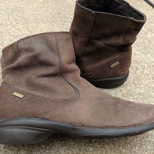 Women's Merrell Brown Leather Zip Up Boots 9M